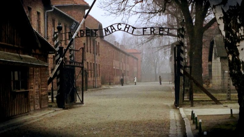 Jugendliche Muslime besuchen Auschwitz (Foto: Michael Schinkel)