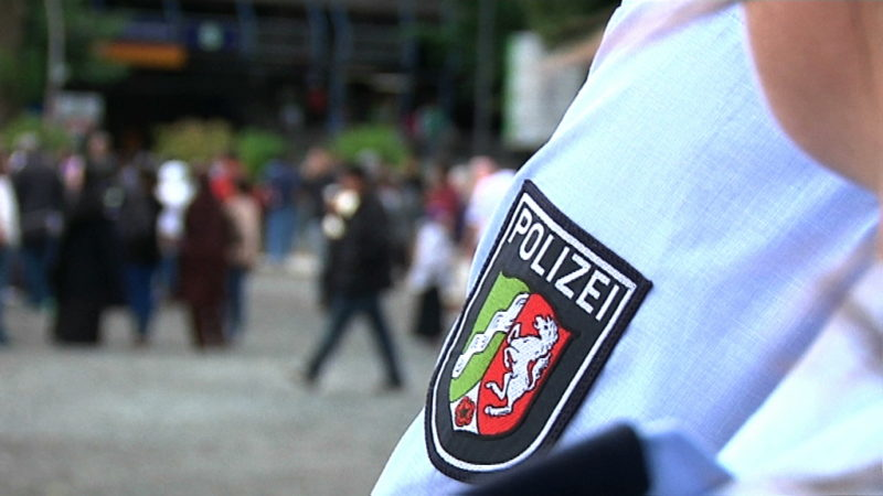 Falsche Polizisten festgenommen (Foto: SAT.1 NRW)