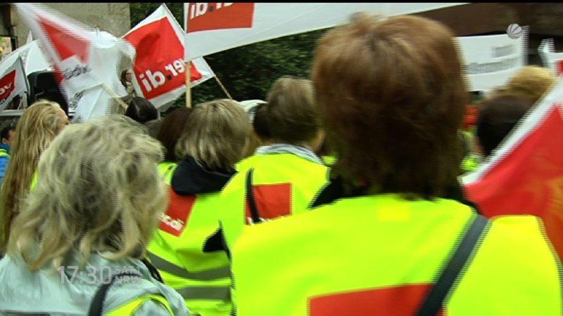 Kaufland-Mitarbeiter streiken (Foto: SAT.1 NRW)