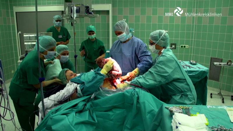 Kind selbst aus dem Bauch gezogen (Foto: Mühlenkreiskliniken)