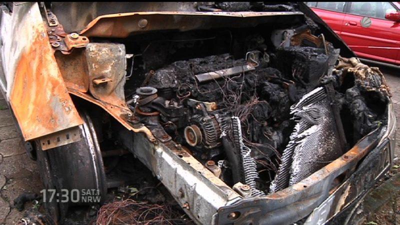 Autobrände in Gütersloh (Foto: SAT.1 NRW)