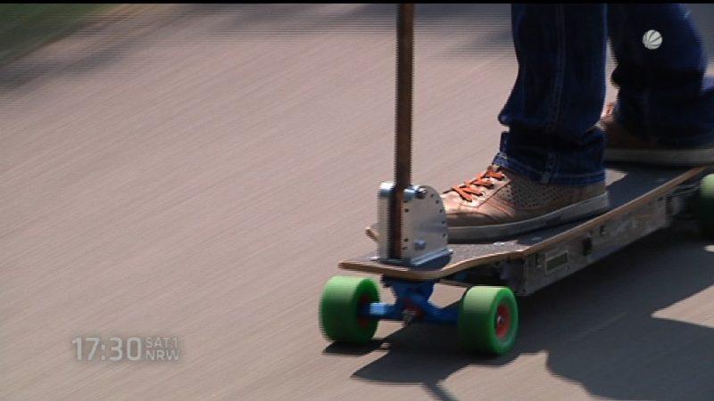 Studenten bauen E-Skateboard (Foto: SAT.1 NRW)