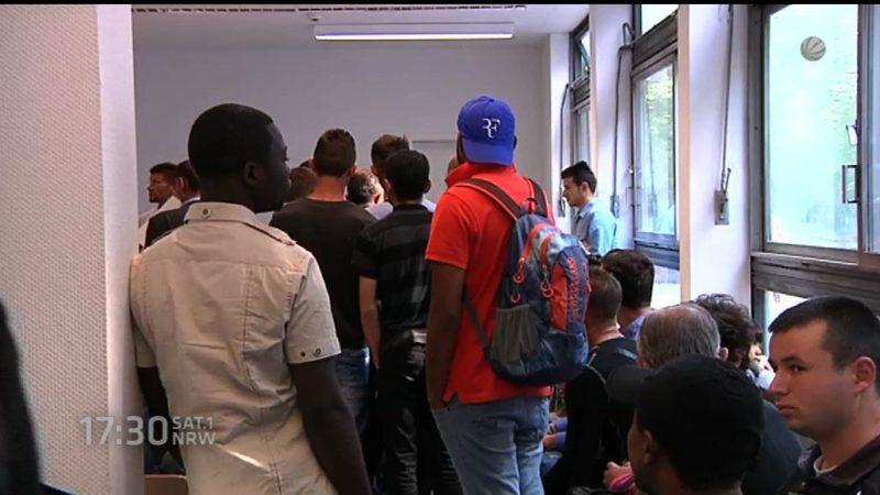 Flüchtlinge schuld an hohen Steuern? (Foto: SAT.1 NRW)