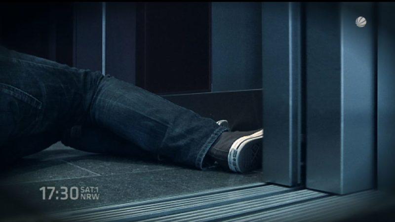 Leiche in stillgelegtem Aufzug gefunden (Foto: SAT.1 NRW)