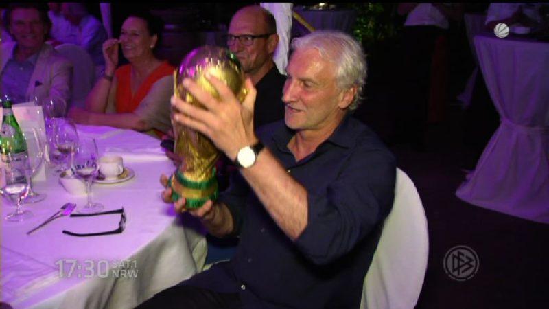 Wiedersehen der WM-Helden (Foto: SAT.1 NRW)