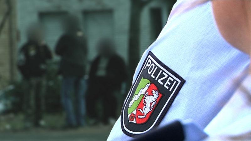 Die Polizei verliert die Kontrolle (Foto: SAT.1 NRW)