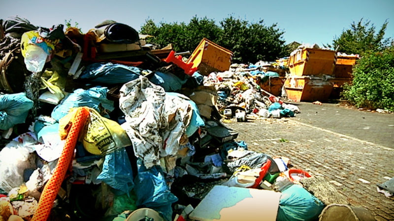 Marl wird von Müll befreit (Foto: SAT.1 NRW)