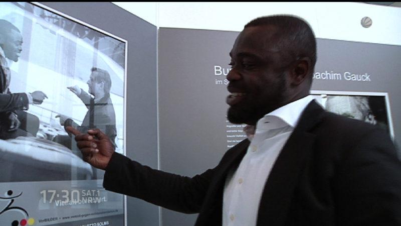 Ausstellung: Rassismus und Fußball (Foto: SAT.1 NRW)