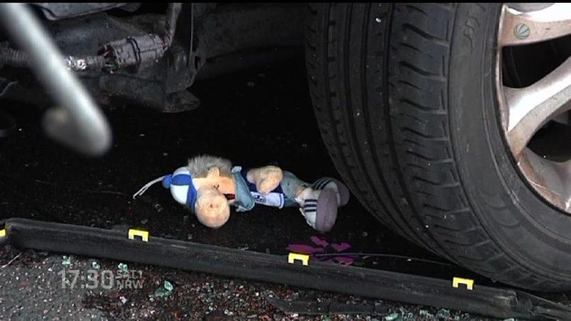 Auto gerät unter LKW auf der A43 (Foto: SAT.1 NRW)