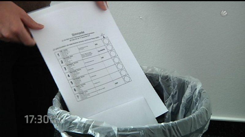 Stimmzettel für die Tonne (Foto: SAT.1 NRW)