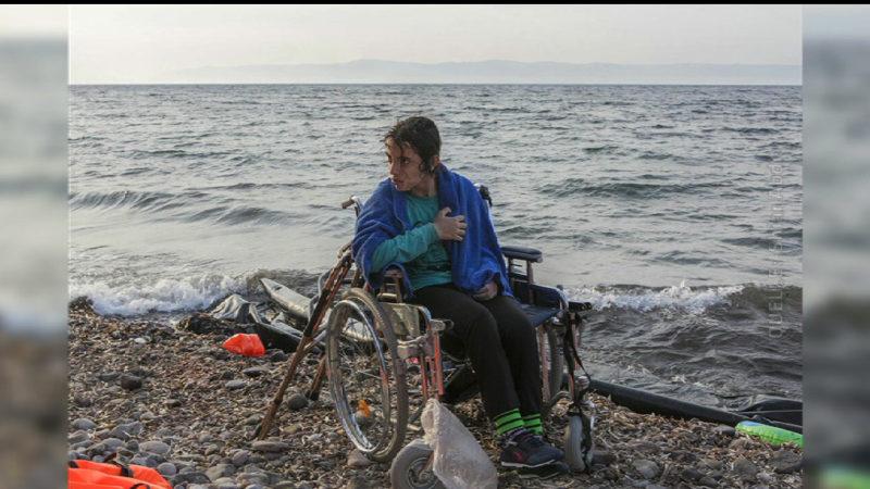 Mit dem Rollstuhl auf der Flucht (Foto: SAT.1 NRW)
