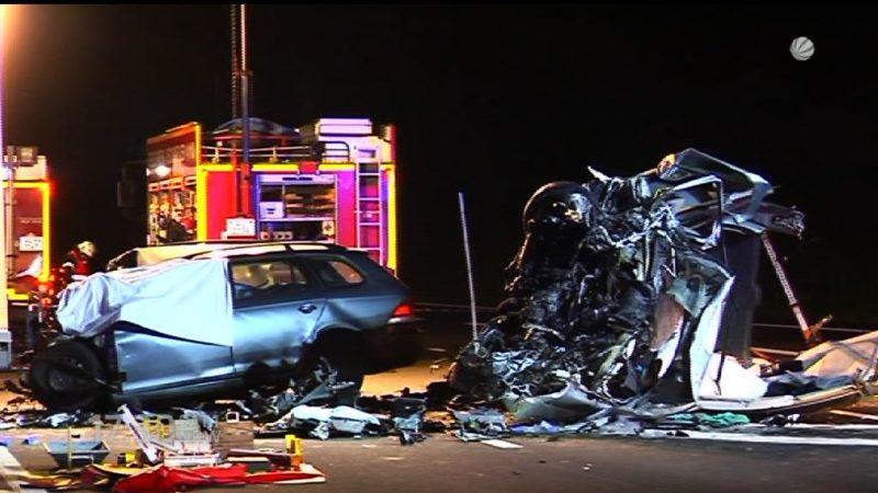 Geisterfahrerunfall mit zwei Toten (Foto: SAT.1 NRW)
