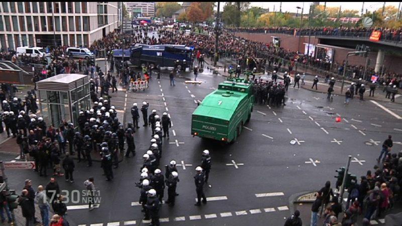 HOGESA-Demo (Foto: SAT.1 NRW)