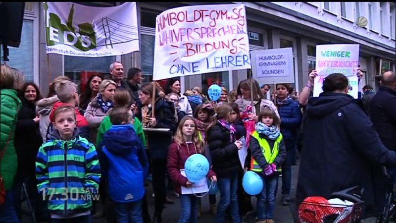 Eltern fordern mehr Lehrer (Foto: SAT.1 NRW)
