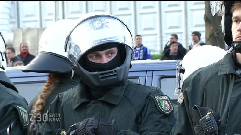 Neue Polizeieinheit gegen Demo-Verbrecher (Foto: SAT.1 NRW)
