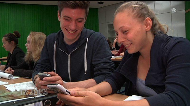 Immer mehr Jugendliche smartphonesüchtig (Foto: SAT.1 NRW)