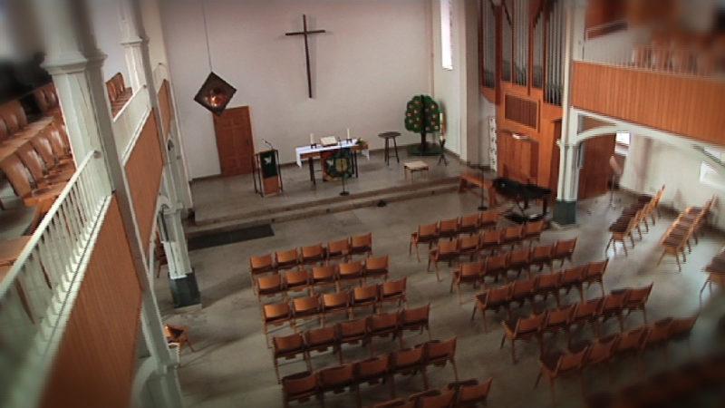 Flüchtlinge kommen in Kirche unter (Foto: SAT.1 NRW)