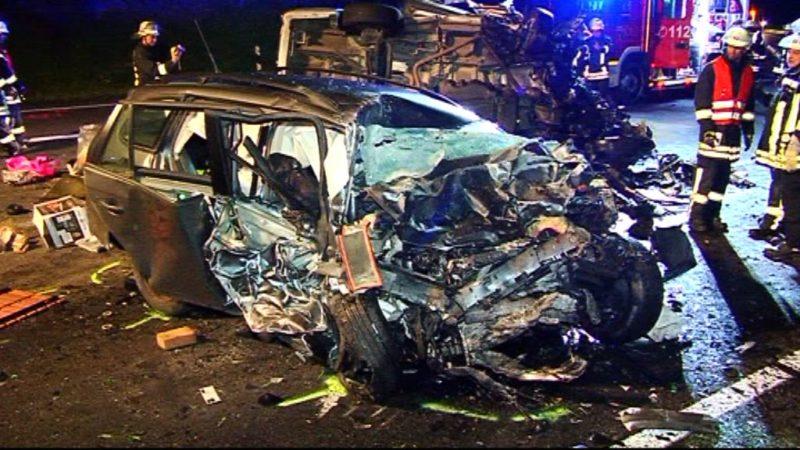 Zwei Tote bei Geisterfahrer-Unfall (Foto: SAT.1 NRW)