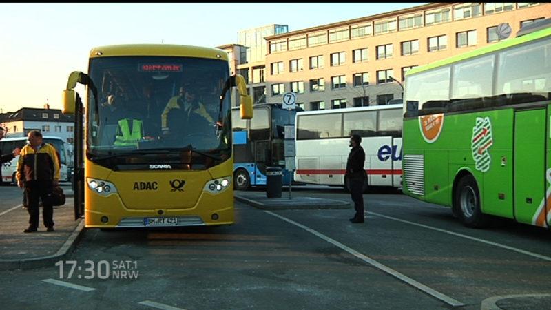 Fernbusfahrer unter Beobachtung (Foto: SAT.1 NRW)