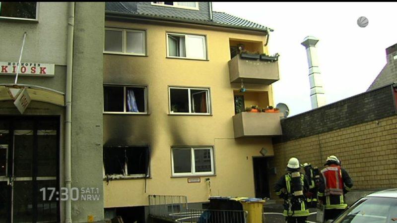 Feuer zerstört Wohnhaus in Dortmund (Foto: SAT.1 NRW)