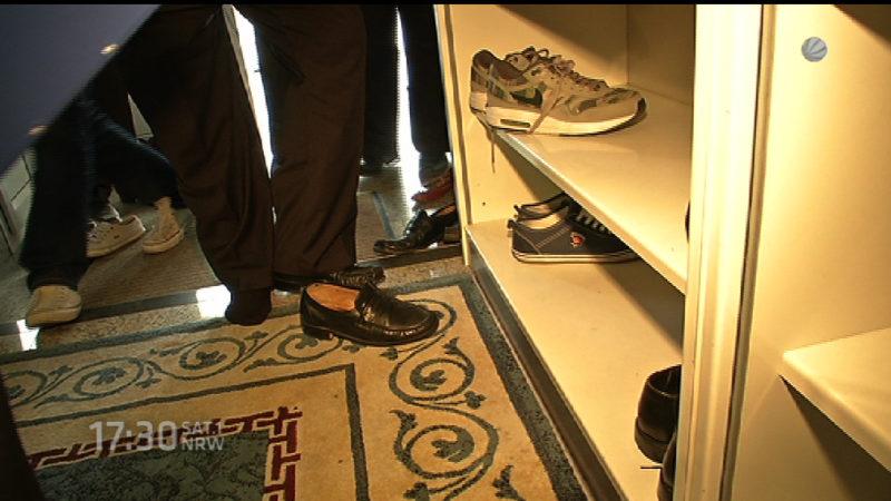 Keine Razzia in Gebetshäusern auf Socken (Foto: SAT.1 NRW)