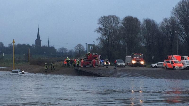 Schiffbrand bei Duisburg (Foto: SAT.1 NRW)