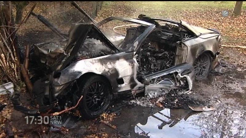 Aus brennendem Auto gerettet (Foto: SAT.1 NRW)