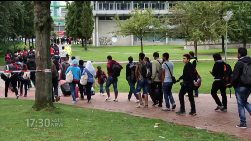 Registrierungszentren Lösung der Flüchtlingskrise? (Foto: SAT.1 NRW)