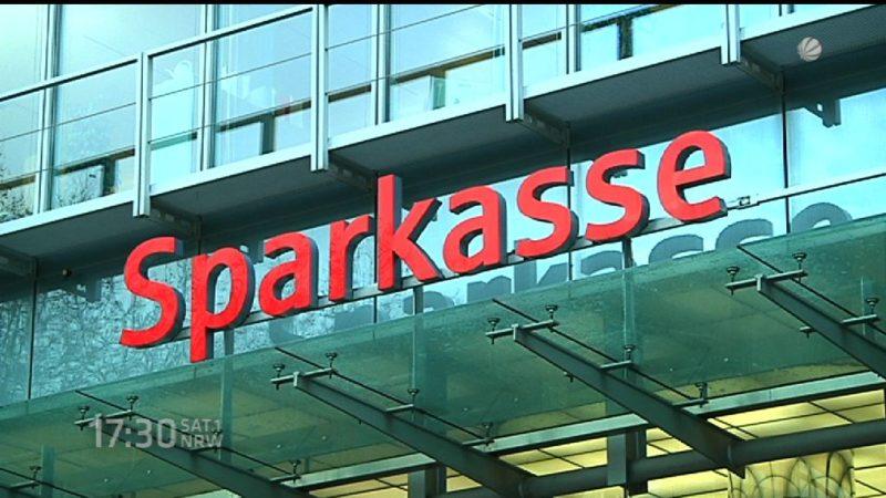 Warum Sparkassenchefs in Pleitestädten so gut verdienen (Foto: SAT.1 NRW)