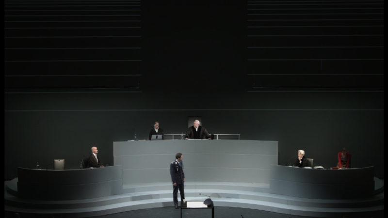 Schuldig oder unschuldig? (Foto: Düsseldorfer Schauspielhaus )