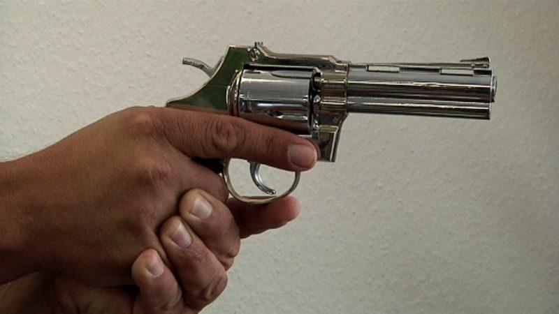 Immer mehr Menschen kaufen Waffen (Foto: SAT.1 NRW)