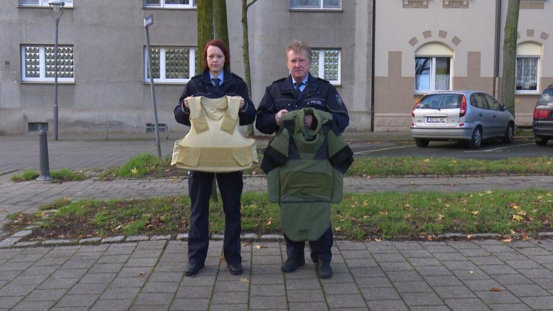 Polizei unzureichend geschützt (Foto: SAT.1 NRW)