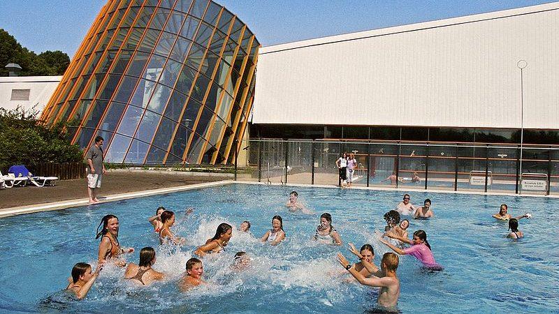 Schwimmbadverbot für männliche Flüchtlinge (Foto: SAT.1 NRW)