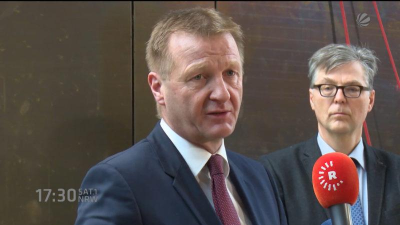 Innenminister Jäger unter Druck (Foto: SAT.1 NRW)