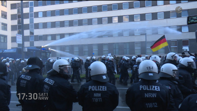 Pegida-Demo in Köln (Foto: SAT.1 NRW)
