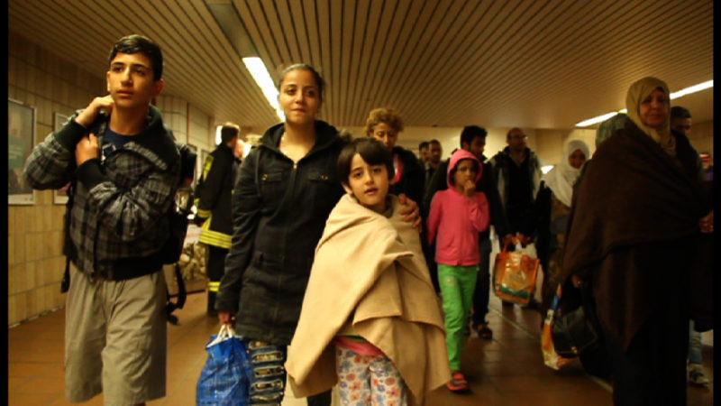 Zeugnisse für Flüchtlinge (Foto: SAT.1 NRW)