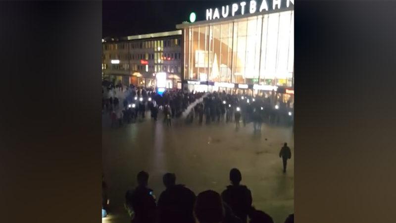 Sex-Mob von Köln: Zwei Festnahmen (Foto: Youtube)