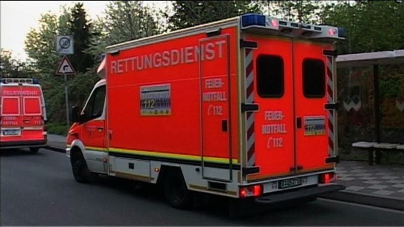 Rettungskräfte angegriffen (Foto: SAT.1 NRW)