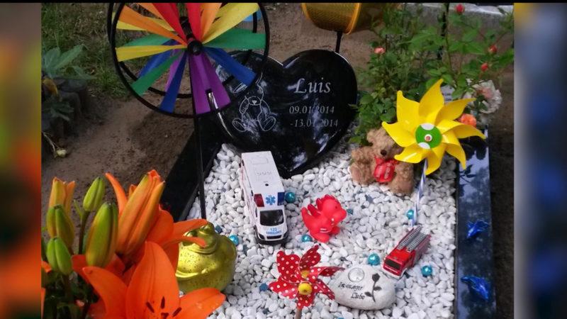 Kindergrab beklaut (Foto: SAT.1 NRW)