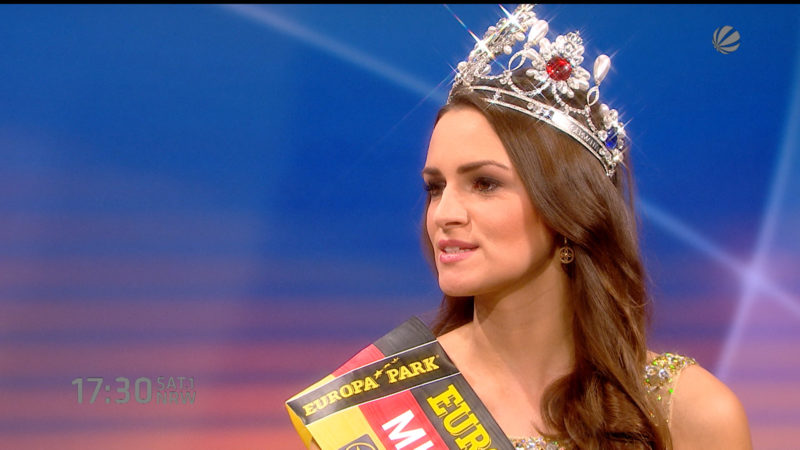 Miss Germany und Religionslehrerin (Foto: SAT.1 NRW)