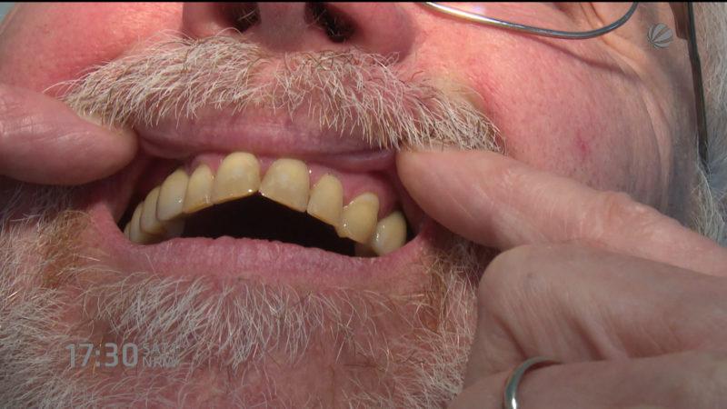 Patienten wehren sich gegen ihren Zahnarzt (Foto: SAT.1 NRW)