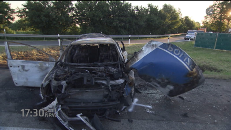 LKW-Fahrer rast Polizisten tot (Foto: SAT.1 NRW)