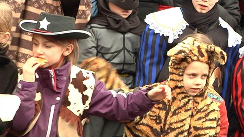 Orden für Kinderkarnevalisten (Foto: Sat.1 NRW)