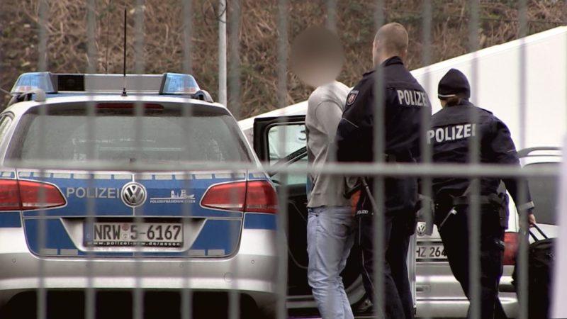 Eskalation in NRWs Flüchtlingsheimen (Foto: SAT.1 NRW)