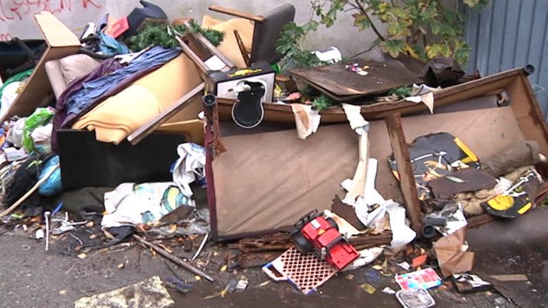 Müllkippe mitten in Düsseldorf (Foto: Sat.1 NRW)