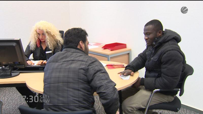 Sparkasse für Flüchtlinge (Foto: SAT.1 NRW)