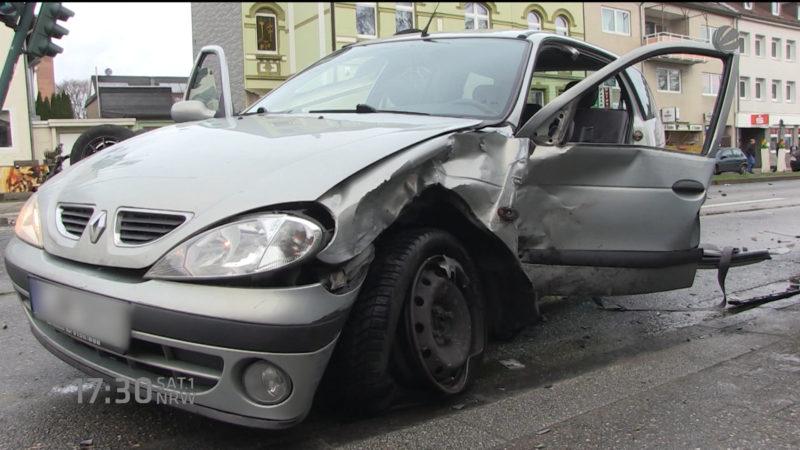 Crash beim Wenden (Foto: SAT.1 NRW)