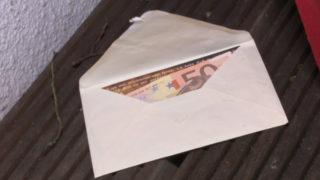 Geheimnisvolle Geldgeschenke (Foto: SAT.1 NRW)