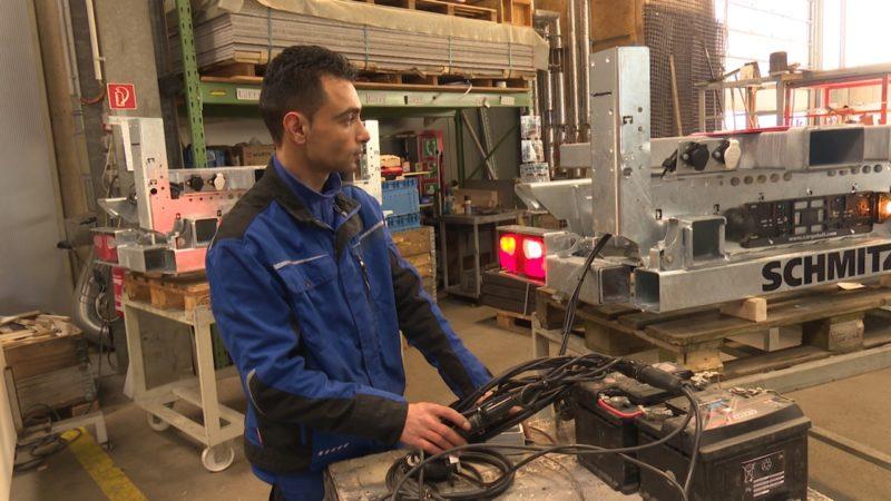 Ausländer schaffen keine Jobs ran (Foto: SAT.1 NRW)