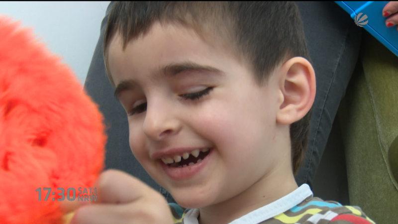Blinder Junge soll abgeschoben werden (Foto: SAT.1 NRW)